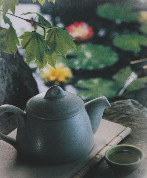 В чашке чая души не чаю